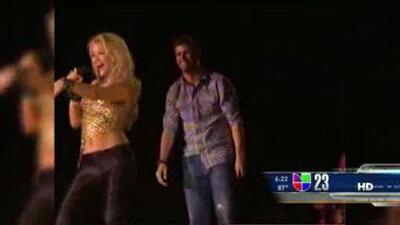 Shakira confirma que está embarazada en Facebook
