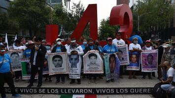 Bajo el clamor de justicia, conmemoran en México los seis años de la desaparición de 43 estudiantes en Ayotzinapa