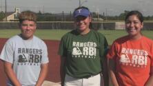 Jugadoras de los Gophers hablan de su triunfo en el campeonato de softball de la academia de los Texas Rangers