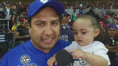 Como nunca la habías visto: Julión Álvárez muestra por primera vez a su hija frente a las cámaras de televisión