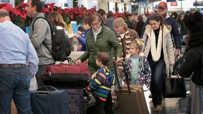 Regresa a la normalidad el sistema de aduanas que ocasionó retrasos en varios aeropuertos a nivel nacional