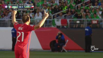 Edson Puch, de rebote, le anota el 1-0 a México