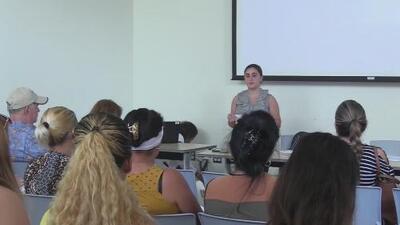 Abogados se reúnen con familiares de cubanos detenidos en Louisiana para orientarlos sobre los procesos de sus allegados