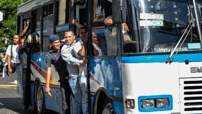 Luz, agua y transporte: los pésimos servicios públicos que manejan militares inexpertos en Venezuela