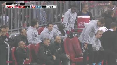 ¡Encendido! Gonzalo Verón descuenta para los Red Bulls en Toronto