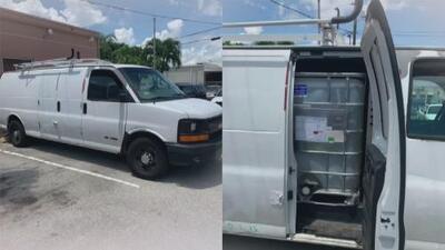 Parecía un vehículo normal, pero dentro llevaba un tanque con 300 galones de gasolina ilegal