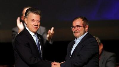 Corte de Colombia permite implementar por la vía rápida el nuevo acuerdo de paz con las FARC