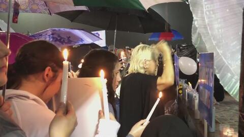 Cientos de residentes de El Alamo acudieron a una vigilia en honor del pequeño King Jay Davila