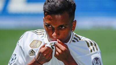 """El Madrid ya presentó a Rodrygo en el Bernabéu: """"Es el día más feliz de mi vida"""""""