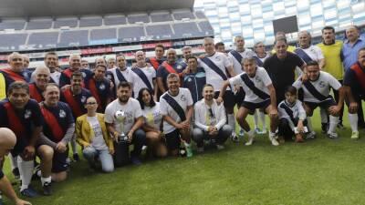 Las leyendas del Puebla se reunieron en beneficio de la familia de Pablo Larios