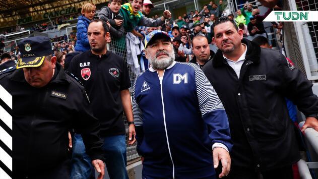 Maradona confirma que seguirá como técnico de Gimnasia