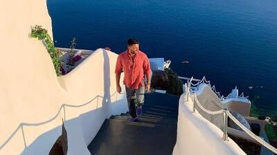 Julián Gil presume de sus increíbles vacaciones por Santorini, Grecia: ¿viajó solo o con compañía?