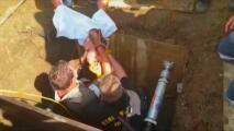 Rescatan de un drenaje a una bebé recién nacida