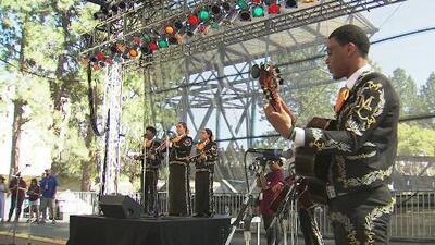 El mariachi Tesoro de San Fernando se impone en el festival 'Mariachi Proud'