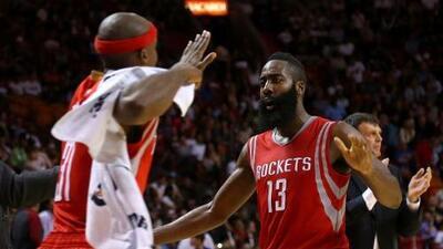 Rockets revalidan el invicto ante Spurs con un 98-81