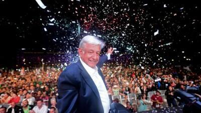 """Andrés Manuel López Obrador gana la presidencia de México en su tercer intento: """"No les voy a fallar"""""""