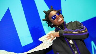 Llegó a cantar en un festival y lo arrestaron: el rapero Black Kodak es acusado de posesión ilegal de armas