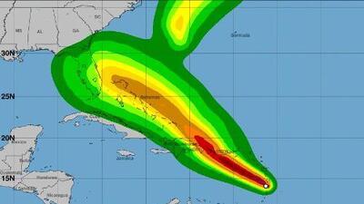 Puerto Rico permanece bajo vigilancia de huracán