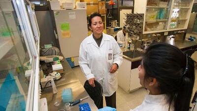 Esta científica mexicana logró eliminar el virus del papiloma con un método no invasivo