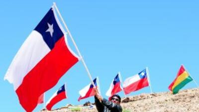 Los chilenos celebran sus Fiestas Patrias, tiempo de costumbres y excesos