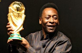 Pelé celebra sus 75 años de leyenda