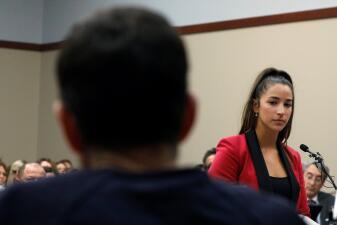 Las víctimas de Larry Nassar cuentan en el juicio los detalles de los abusos sexuales a los que las sometió
