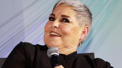 Lupita D'Alessio admite que se siente más nerviosa que nunca cuando sale a cantar