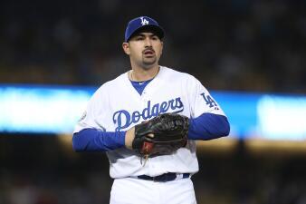 Adrián González pasa a los Braves y será agente libre