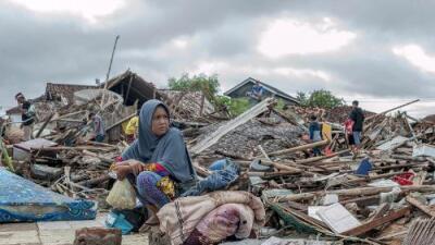 Socorristas redoblan la búsqueda de sobrevivientes del tsunami que deja al menos 281 muertos en Indonesia