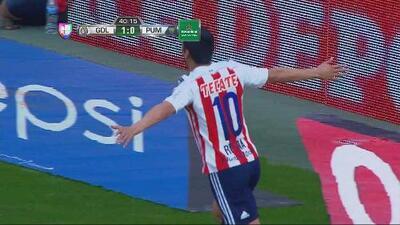 Guillermo Navarro narra el gol de Reyna del Chivas vs Pumas de la segunda fecha