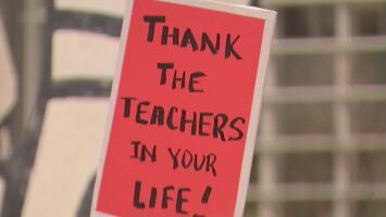 Sin acuerdo y sin clases por octavo día: así va la huelga de maestros más larga en la historia de Chicago