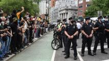 Policía de Nueva York se prepara para reaccionar a posibles disturbios por el veredicto en el caso de George Floyd
