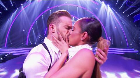 Con 'I Will Always Love You', Sara Corrales no tuvo su mejor baile, pero sí su mejor beso