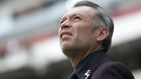 No será Osorio: José Luis Higuera viajó a Europa para buscar un técnico que dirija a Chivas