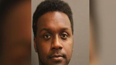 Presentan cargos por asalto sexual contra un sujeto que presuntamente usaba aplicaciones para atraer a sus víctimas