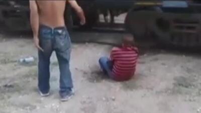 Con un pie cercenado y el otro destrozado, así quedó un migrante al intentar subir a 'La Bestia'