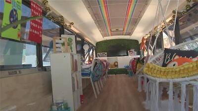 Abre sus puertas en Tijuana la escuela móvil para niños migrantes de la frontera