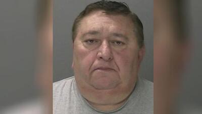 Arrestan al conductor de un autobús escolar señalado de besar a la fuerza a una joven de 15 años
