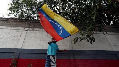 """""""Nos están matando de hambre"""": venezolanos alzan su voz contra el régimen de Maduro en medio del anuncio de racionamiento"""