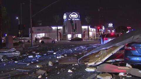En video: Explosión de un camión de reciclaje causa pánico en una comunidad de Los Ángeles