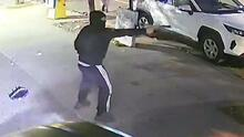 Buscan a 4 hombres en conexión con un asalto armado en Inwood