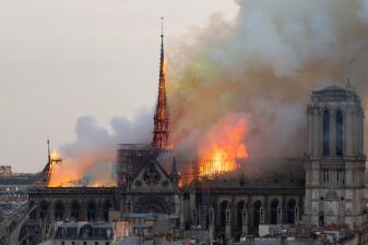 En fotos: incendio en la catedral de Notre Dame de París acaba con más de 800 años de historia