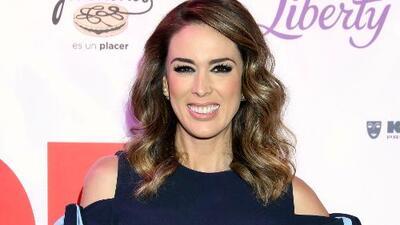 Jacqueline Bracamontes no quiere que sus hijas se vean afectadas por sus escenas pasionales de telenovela