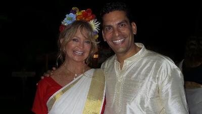 Cala viajó a la India y ahí compartió con Goldie Hawn