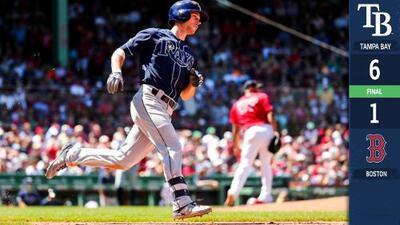 Lowe conecta 2 jonrones y Rays doblegan a Red Sox en Fenway Park