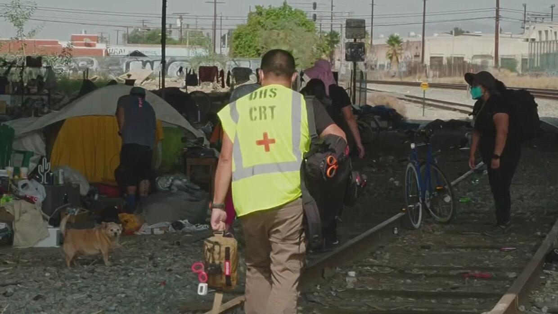 'Medicina Callejera': Esta cuadrilla de servicios de salud en California ofrece atención médica a desamparados