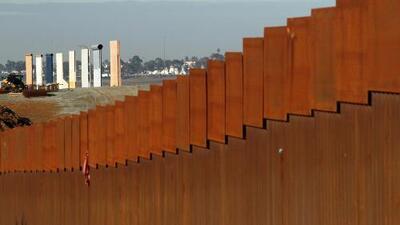 """En un minuto: Trump da un mensaje a la nación sobre la """"crisis"""" en la frontera"""