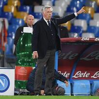 Carlo Ancelotti está al borde del despido en Napoli