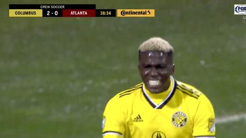 La defensa se duerme y entre cuatro rivales Gyasi Zardes perfora las redes, Columbus 2-0 Atlanta
