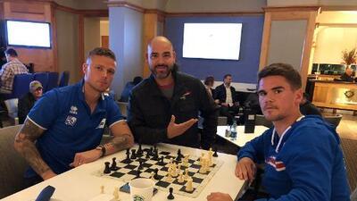 ¿Traición a la camiseta o apoyo al Tricolor? El Pelón y El Feo se infiltraron a la Selección de Islandia